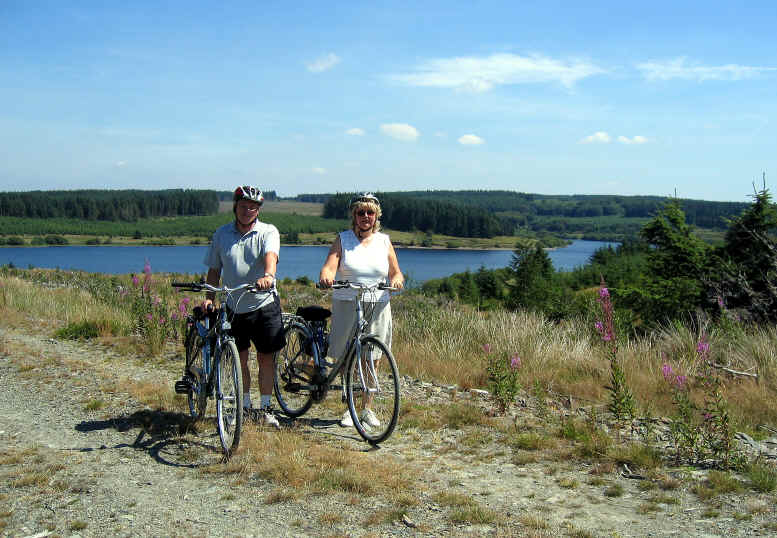 Husband and wife cyclists on the Alwen trail