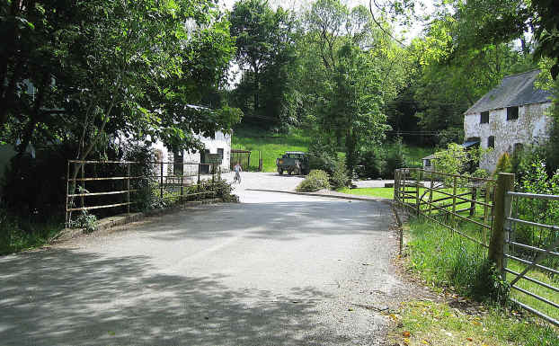 Our route passes through this farmstead in an idyllic setting