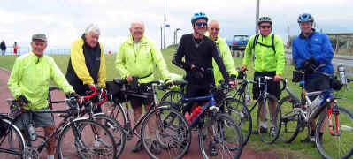 Cyclists welcome Shaun at Pensarn