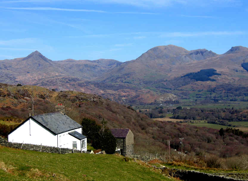 Fine views of Cnicht and the Moelwyns during the descent to Prenteg