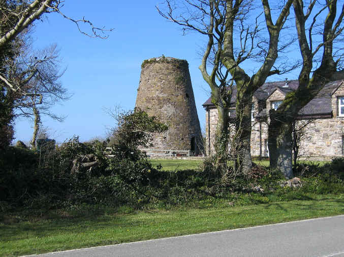 Former windmill at Capel Goch